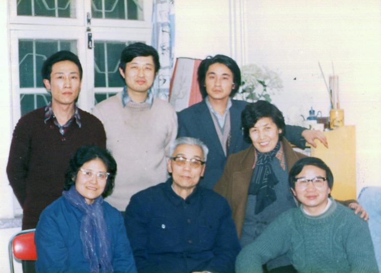 艺术历程   与著名画家张鹤玲女士(前左)著名画家张彦青