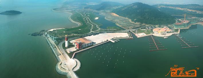 上海九龙山庄航拍游艇码头全景图