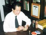 中国著名微雕艺术家:黄厥明