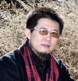 系中国美术家协会北京分会会员,中国书法家协会北京分会会员,中国民俗图片