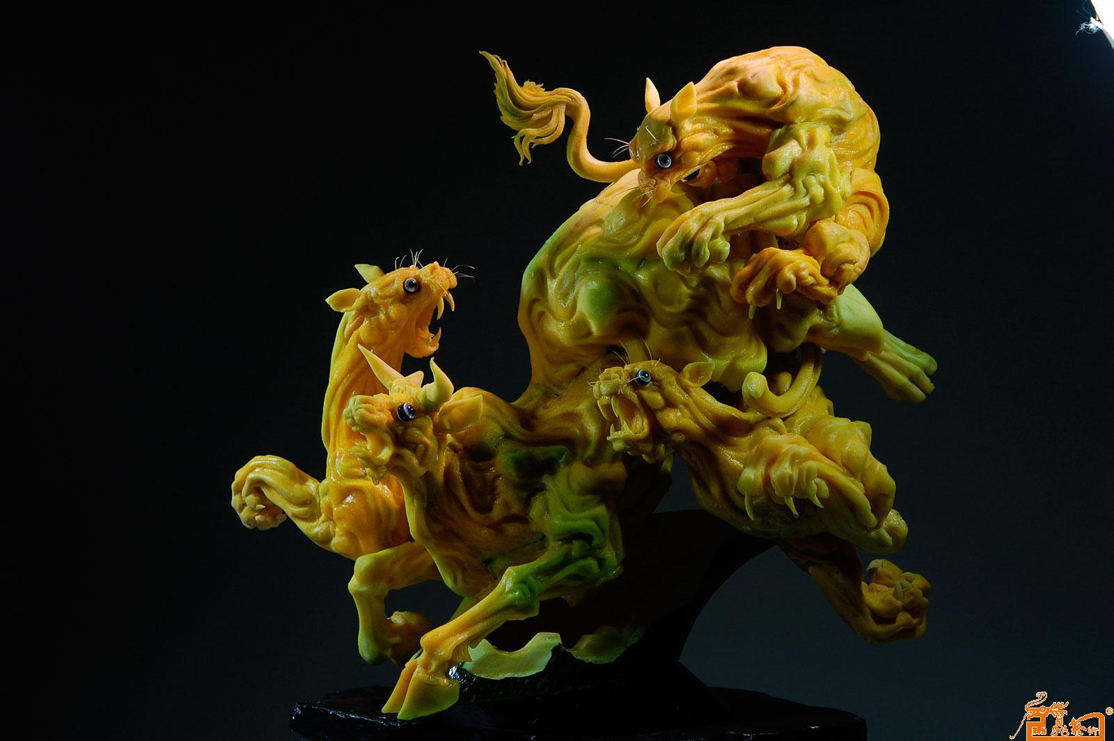 名家 孔令海 国画 - 食品雕刻动物作品-作品:《勃发》 原料:南瓜