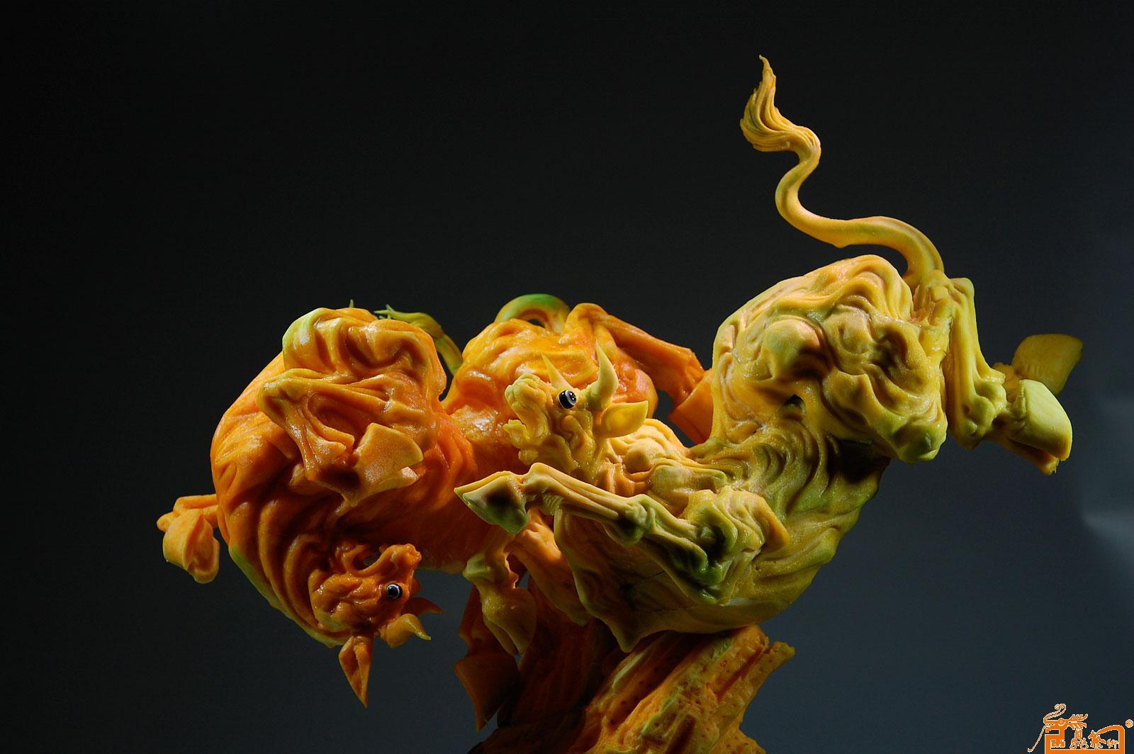 食品雕刻动物作品-作品:《争先恐后》 原料:南瓜