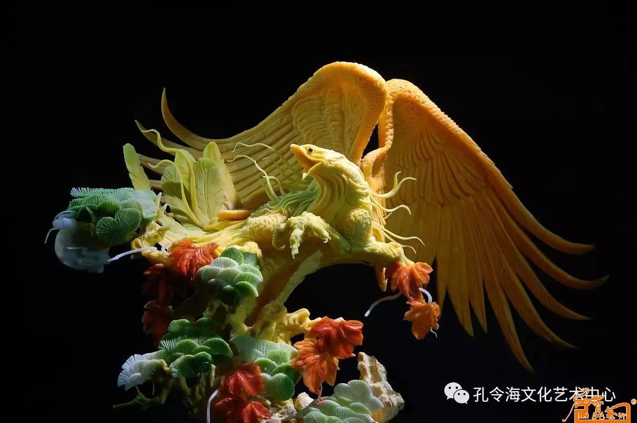食品雕刻作品:《鹏程万里》 原料:南瓜-孔令海-淘宝